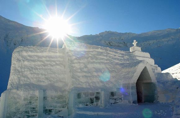 L'albergo di ghiaccio sul lago Balea, in Transilvania
