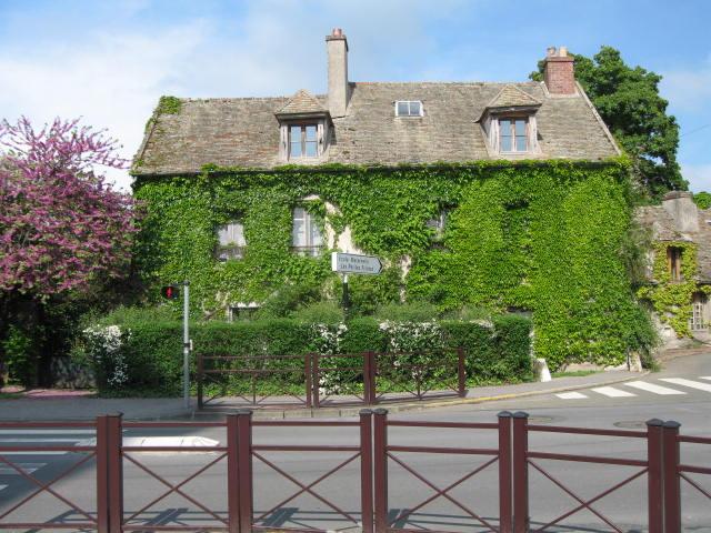 La casa di Marguerite Duras, a Neauphle-le-Château