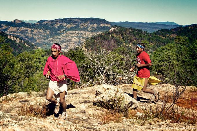 chihuahua-tarahumara-runners-680x680