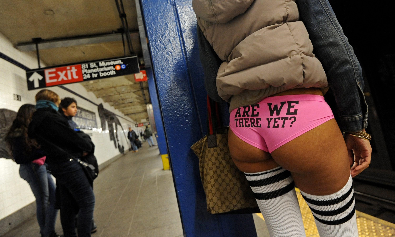 usa_no_pants_subway_rides_pfx12_33425373-e1388973977574