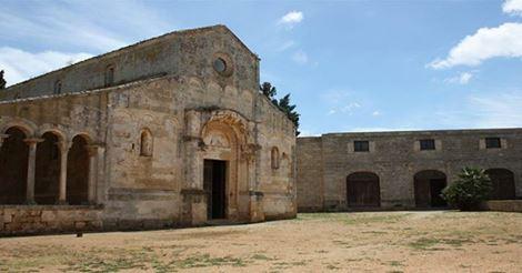 L'Abbazia di Santa Maria di Cerrate si trova a Lecce, una meraviglia del patrimonio artistico e culturale italiano in Salento.