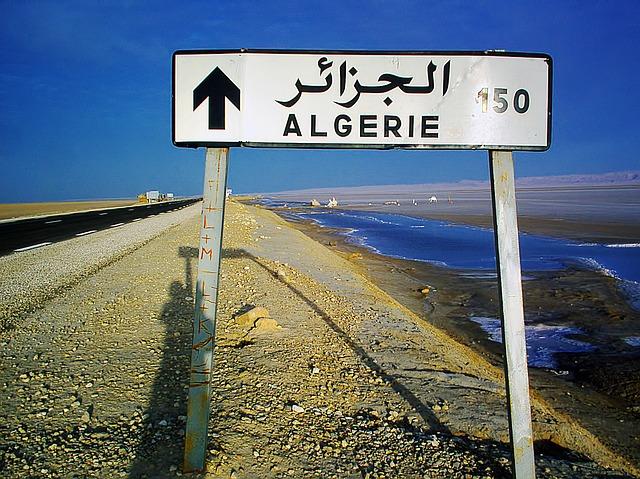 tunisia verso algeria strada
