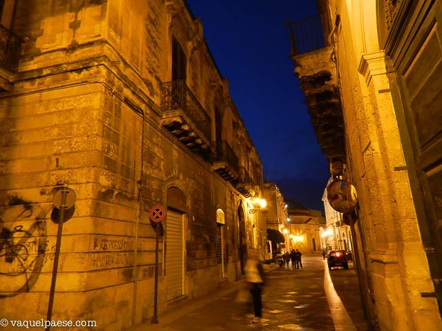 A passeggio tra le strade di Lecce nell'ora blu