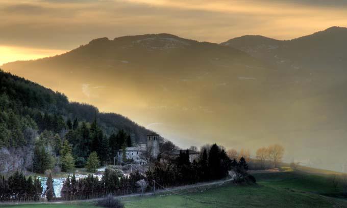 Lesignano Bagni (photo www.provincialgeographic.it )