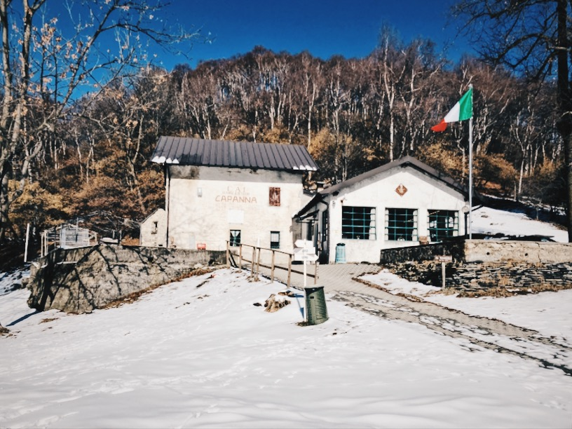 Il rifugio Adamoli in inverno