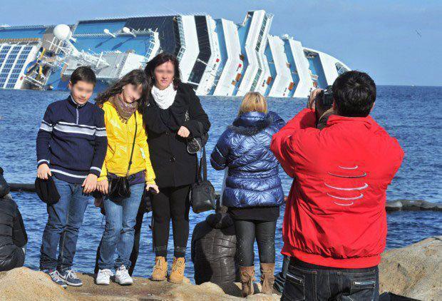 Il Turista Imbruttito e i selfie con la Costa Concordia