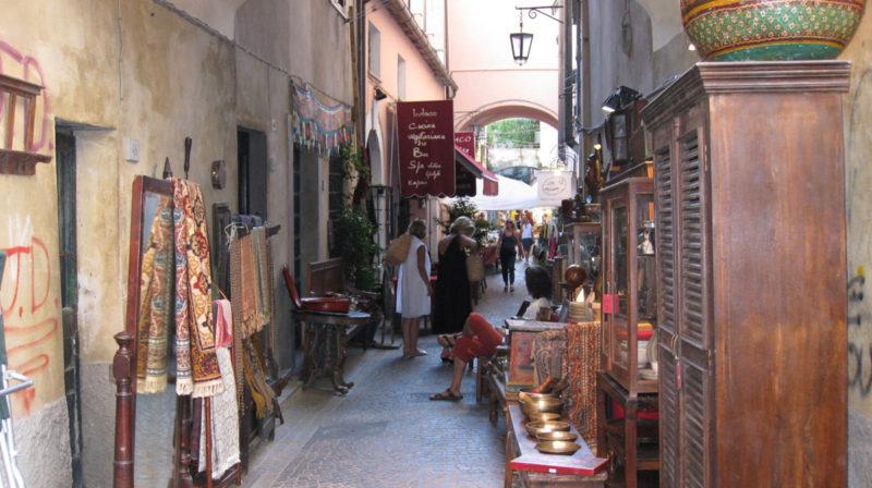 mercatino antiquariato sarzana