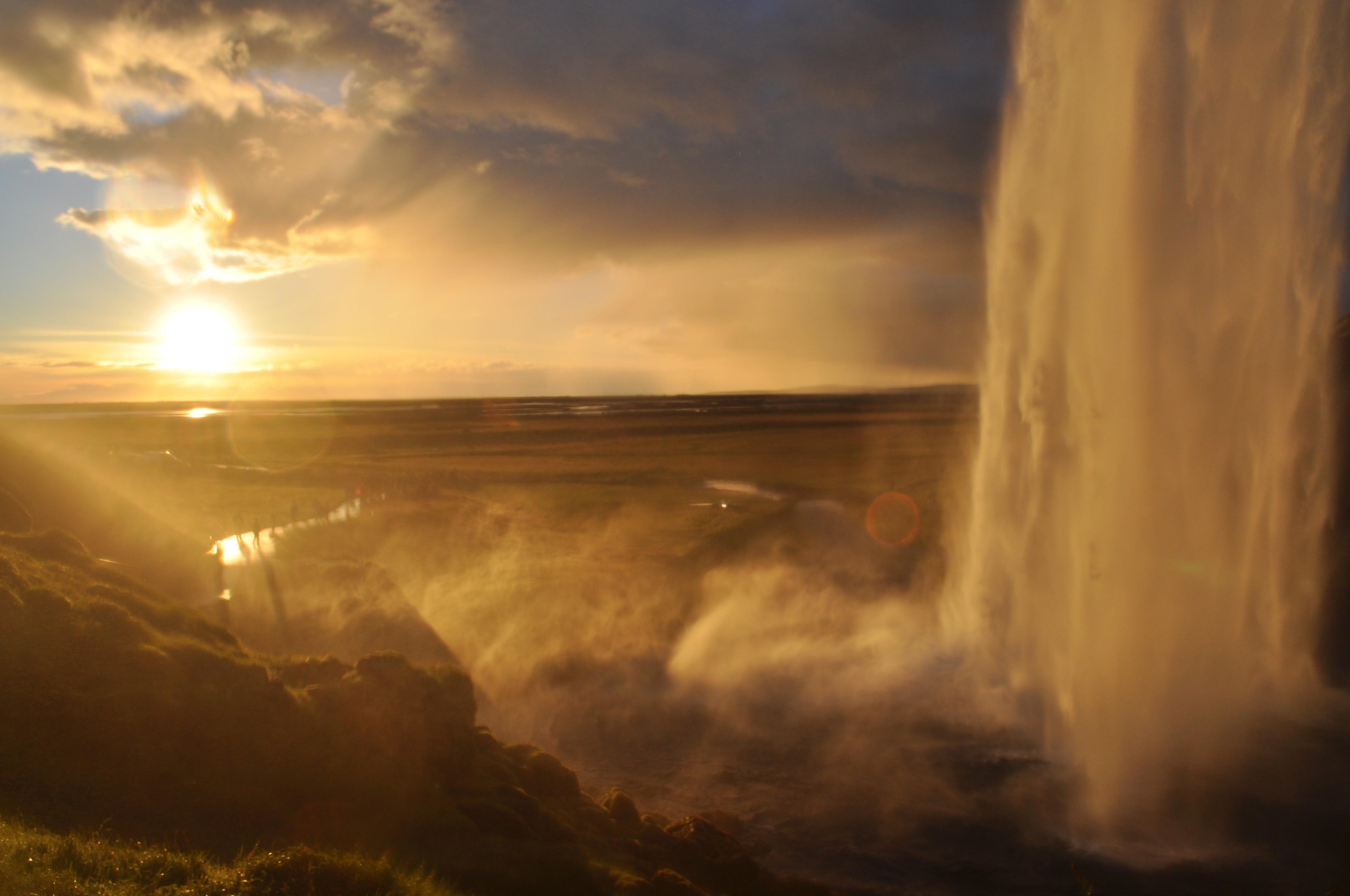 10 esperienze emozionanti da provare in Islanda in primavera o estate