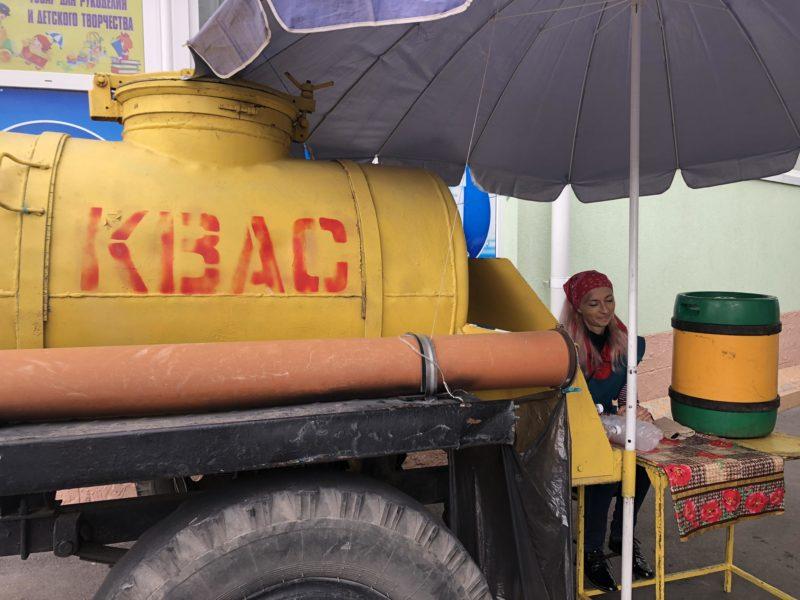 Chiosco di Kvas al Green Market di Tiraspol