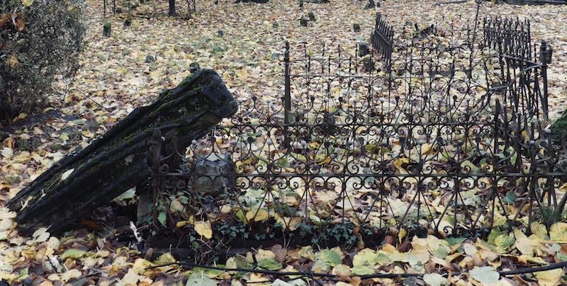 cimitero vecchio Viggiù