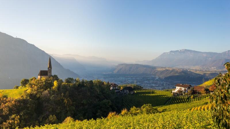 Test gratis ai turisti e Covid-free area negli alberghi. Così Bolzano riparte.