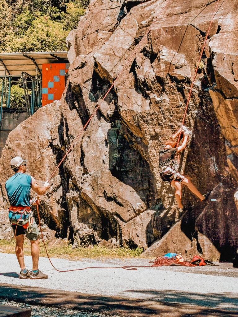 cinzanino maccagno palestra di roccia