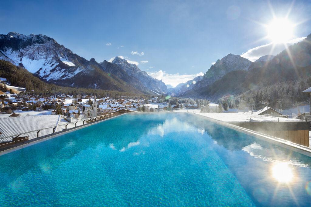 Excelsior Dolomites Life Resort - Excelsior Dolomites Lodge - Dolomites Panorama-Infinity-Pool (2)