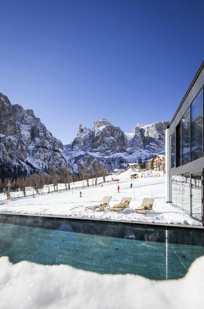 Romantik Hotel Cappella - Piscina esterna (2)
