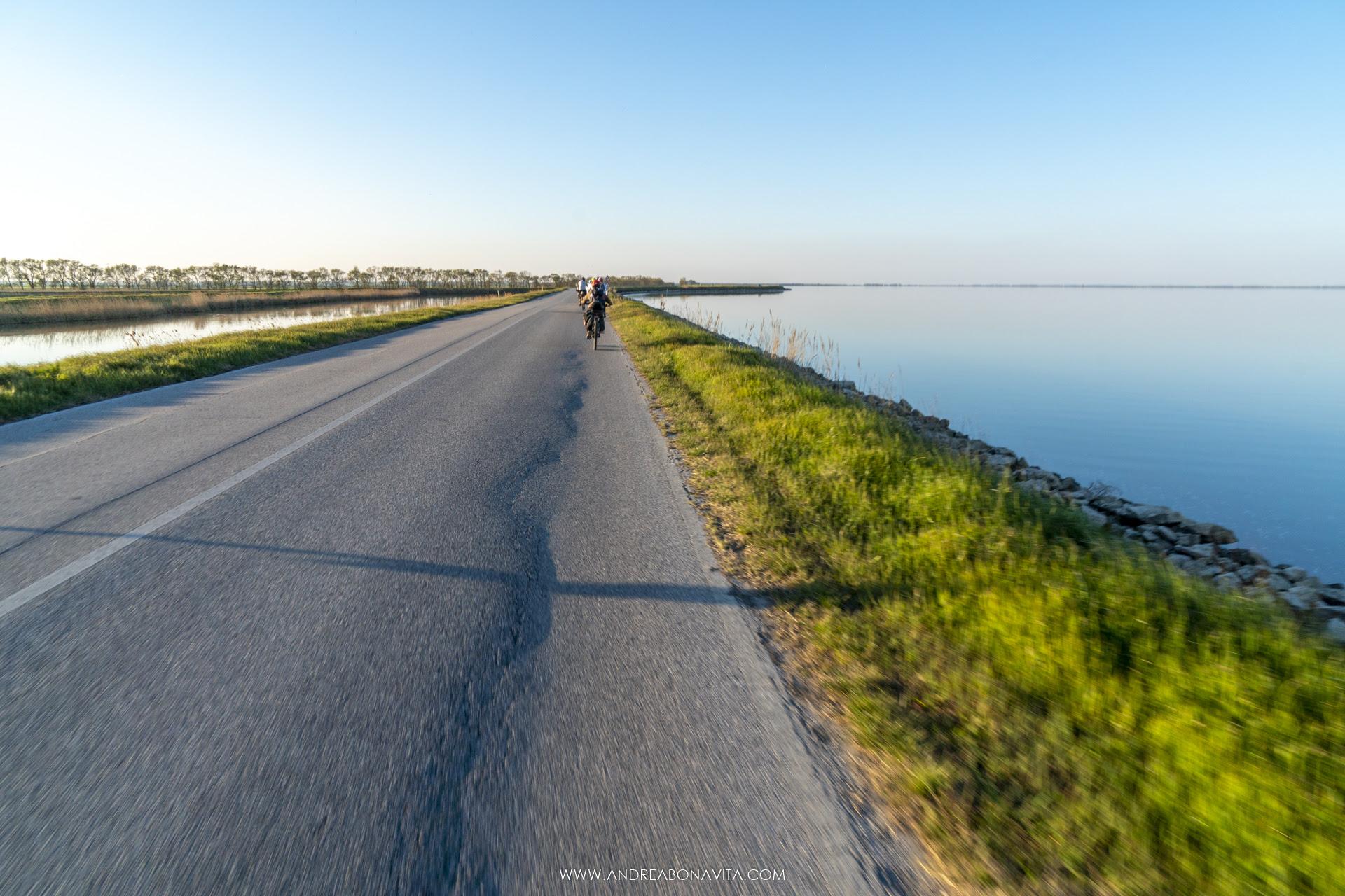 Giro in bici a Cervia: itinerario facile dal centro storico alla pineta